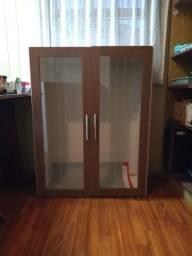 Balcão 02 portas de vidro.