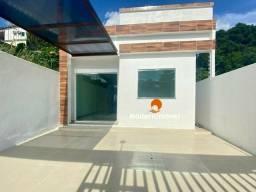 Casa com garagem semi coberta p/ 2 carros - possível a construção de mais 1 quarto