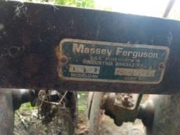 Grade niveladora Massey Ferguson 22 discos