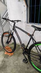 Vendo bike aro 29 pra vender logo !