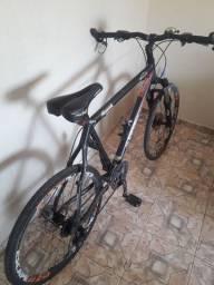 Bike quadro 19, aro 26, freio a disco