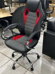 Cadeira game com a base e braços cromados