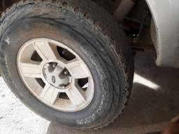 Pneus usados aro 16 pickup. (Pirelli Scorpion ATR).