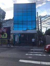 Título do anúncio: Madureira Alugo (Praça do Patriarca) casa 2Salas 3Qt Coz 3Bh Área garagem