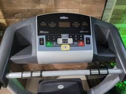 Esteira profissional Fitness Tempo Johnson T904 com inclinação automatic