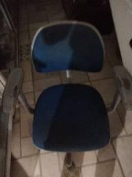 Título do anúncio: Vende-se cadeira de escritório