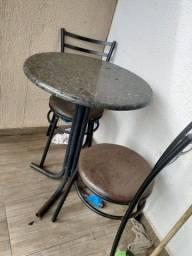 Vendo jogo de mesa 4 cadeiras