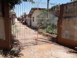 Casa com 2 dormitórios para alugar, 70 m² por R$ 550,00/mês - Bandeirantes - Londrina/PR