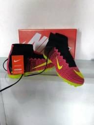 Chuteira da Nike Society Vermelha