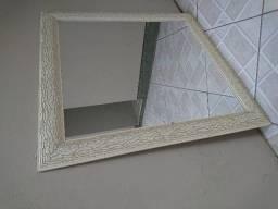 Espelho grande com moldura em ótimo estado!