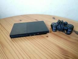 Vendo PS2 com 1 controle e 30 jogos