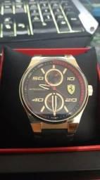 ad7784a8613 Relógio Ferrari Scuderia Dourado Original - comprado no vivara