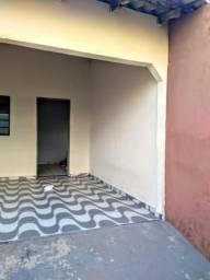 Casa 2/4 cpa 02 locacão 1.200 reais, localizada a 50 mts da Av. Brasil