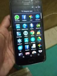 Moto G5 plus 32 gb Biometria TV leve trincado bem na ponta
