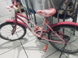 Vendo bicicleta da barbie caloi