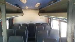 Micro ônibus muito conservado - 2006