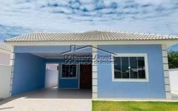 Casa em condomínio, 3 qts (2 suites), piscinas, campo, área de lazer, porteiro 24h