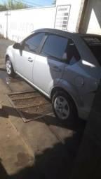 Fiesta sedan 2013 novíssimo - 2013
