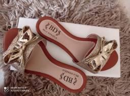 Revenda sapatilhas e sandálias rasteiras