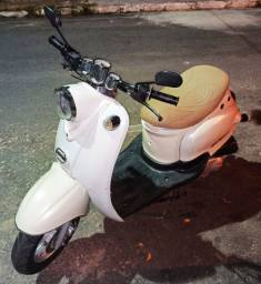 Retro Scooter Shineray