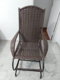 Cadeira de Balanço praticamente NOVA
