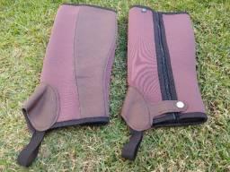 Perneira Neoprene Fechamento em ziper Cavalgadas Proteção Para Perna Mangalarga