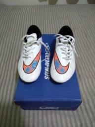 Chuteira Nike Hypervenom 35