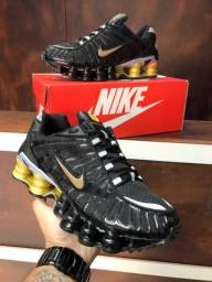 Tenis Nike Shox 12 molas $280,00