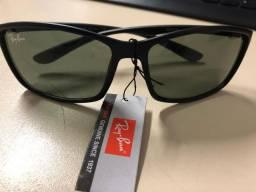 Óculos Ray Ban - RB4175