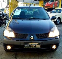 Renault Clio Sedan Privillége 1.6, completo. Carro muito bom. Confira!