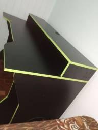 Escrivaninha gamer ( mesa para computador)
