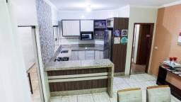 Casa com 4 dormitórios em Ourinhos com terreno de 300 mt2