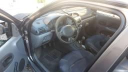 Clio sedan 2000/2001