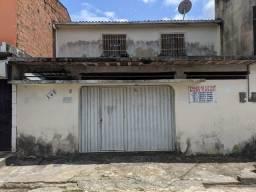Título do anúncio: Casa para venda possui 176 metros quadrados com 6 quartos em Santa Lúcia - Maceió - AL