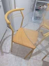 Vendo Mesa Pouco Uso- Vidro Incolor com 4 cadeiras- Carraro Amarelo Ouro<br><br>