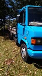 Caminhão 710 Plus 03/04