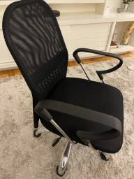 Cadeira escritório preta giratória