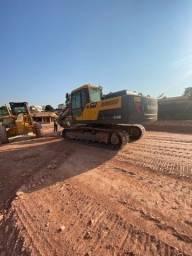 Título do anúncio: Escavadeira Volvo Ec200B