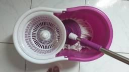 Balde para limpeza doméstica