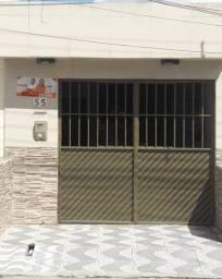 Título do anúncio: Casa em Caruaru, no bairro Riachão, na rua principal.