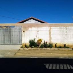 Título do anúncio: Vendo casa em Colatina