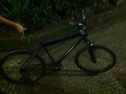 Bicicleta (aceito ofertas em dinheiro )