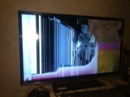 Tv smart de 40 Full HD com tela quebrada