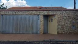 Casas de 3 dormitório(s) no Jardim das Estações (Vila Xavier) em Araraquara cod: 8813