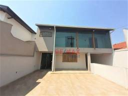 Sobrado com 4 dormitórios para alugar, 293 m² por R$ 3.500/mês - Vila Nova Botucatu - Botu
