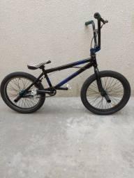 Bicicleta Elleven para manobras