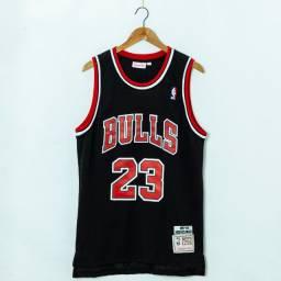 Camisa Chicago Bulls Black Hardwood Classics 23