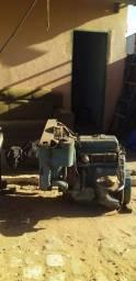 Máquina rotativa de fura poço