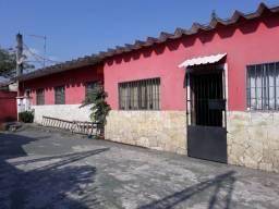 Casas + Galpão + salão comercial