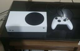 Xbox One Series S pouco uso